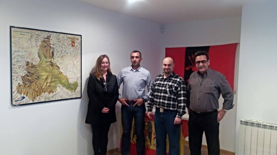 Visita del Jefe Nacional de La Falange y del TNS al hogar Nacionalsindicalista de Zaragoza.