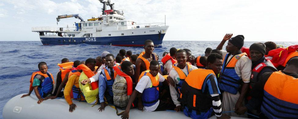 EE. UU. subvenciona el transporte de inmigrantes a Europa