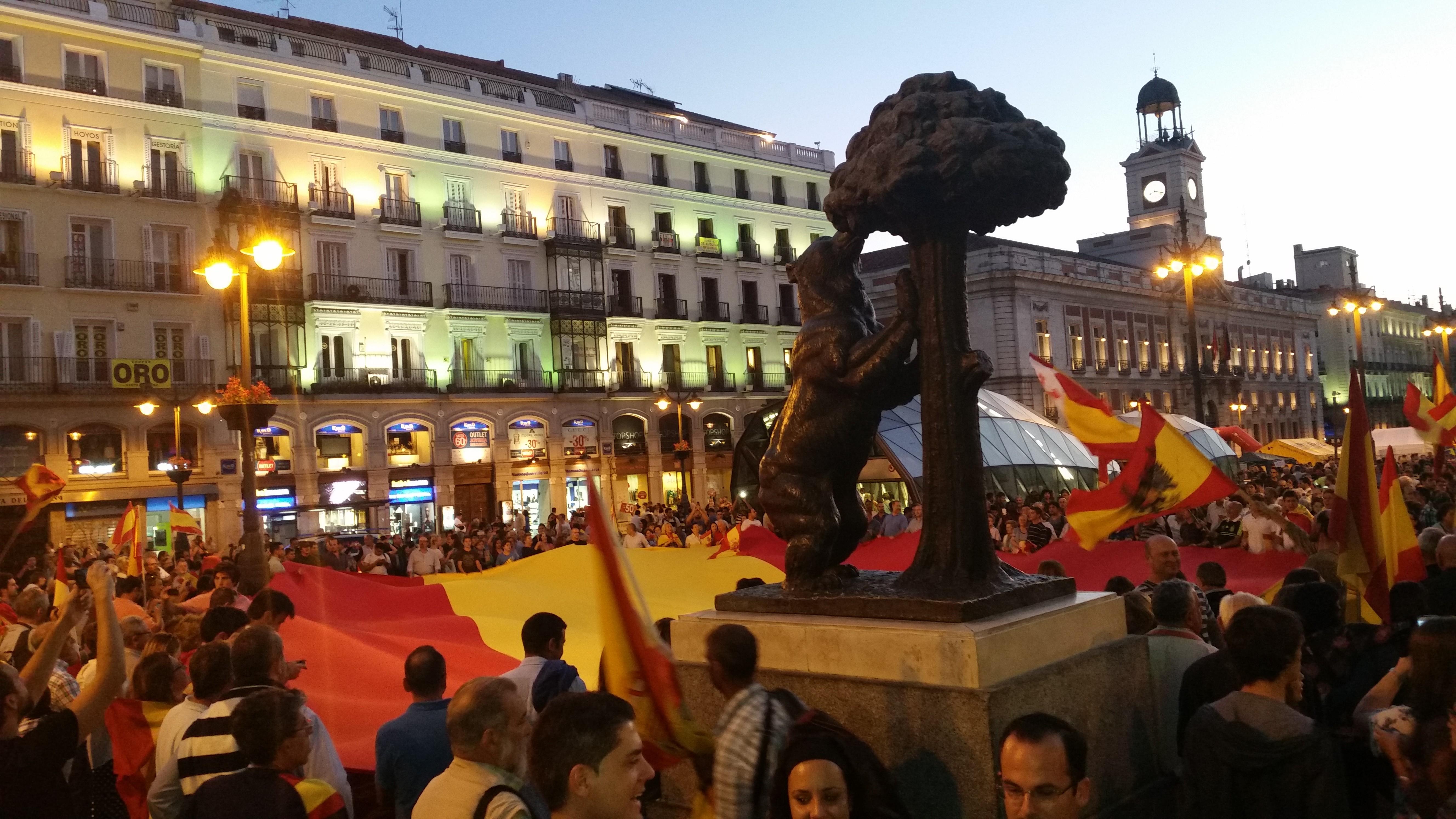La Falange acudió a la concentración ciudadana en la Puerta del Sol
