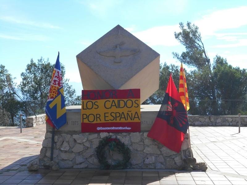 Homenaje de La Coalición Nacional a los Caídos por España en Gandesa (Tarragona)