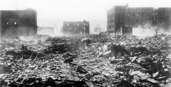 """Conferencia """"Hiroshima y Nagasaki a la luz de los Derechos Humanos y del Derecho Internacional Humanitario"""" en la Asociación de Universitarias Españolas, por Javier Guisández Gómez"""