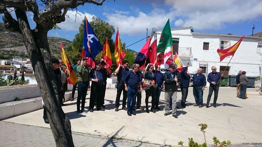 """La Falange de Cádiz presente en el acto celebrado en Turón (Granada) por la Coordinadora contra la """"ley de memoria histórica"""""""