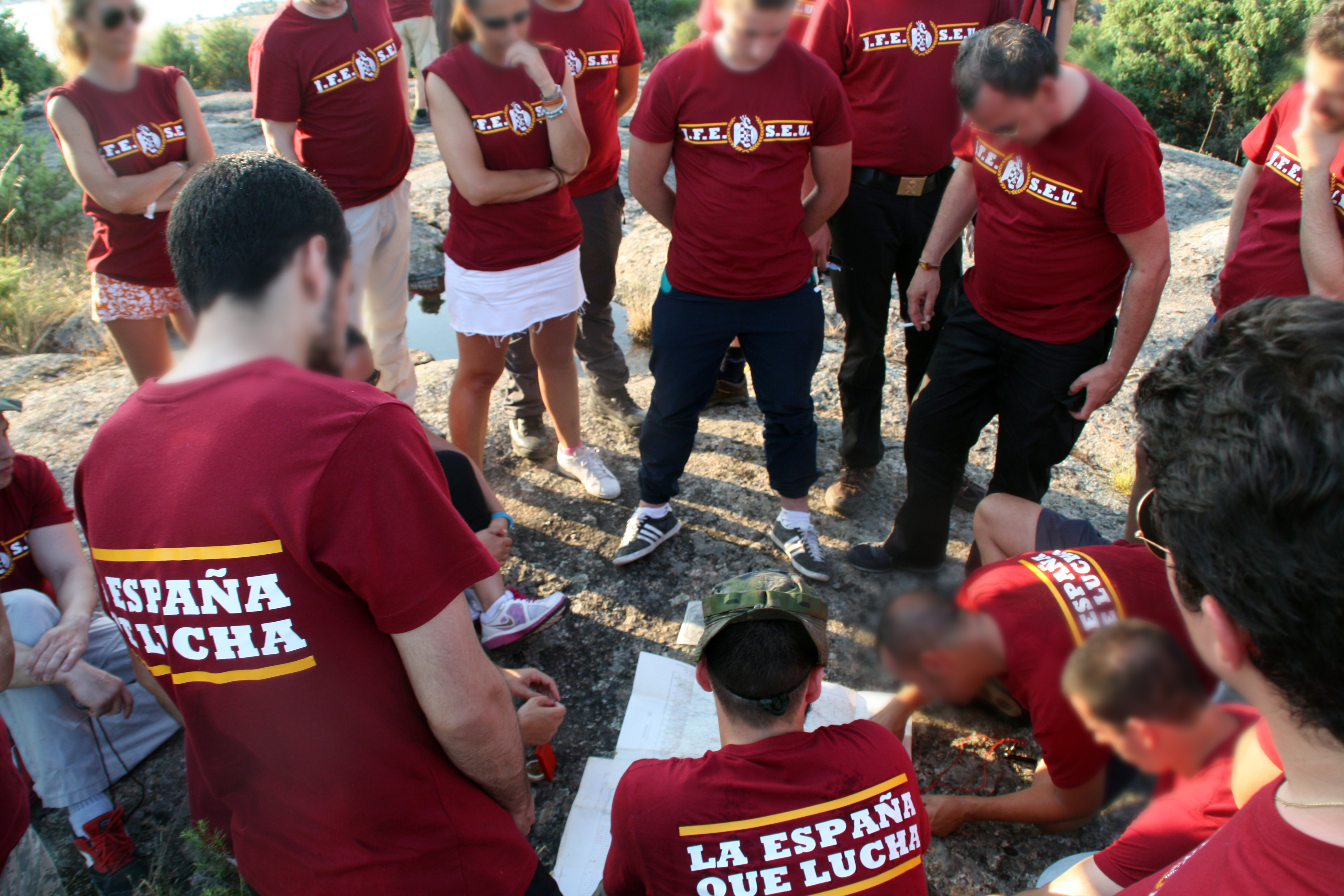 5-Julio: Especial viernes cultural con jóvenes falangistas