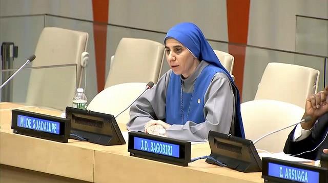 """Hermana María Guadalupe Rodrigo: """"Los refugiados musulmanes maltratan a los refugiados cristianos en los centros de acogida europeos"""""""
