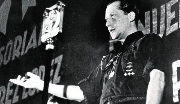Un hombre joven, una madrugada, noviembre de 1936