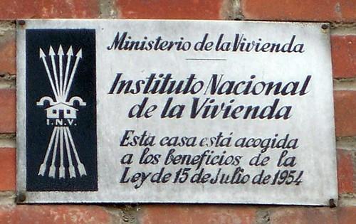 """La política de vivienda de Espinar y la de """"los malos"""""""