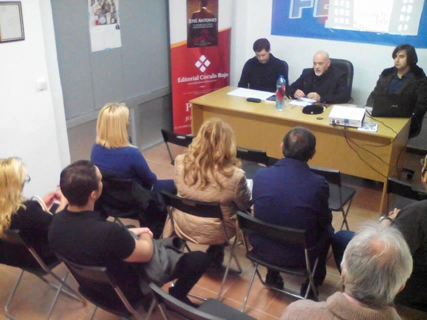 """Presentación libro en la sede territorial de Murcia del libro """"José Antonio, el hombre que todos conviertieron en mito""""."""