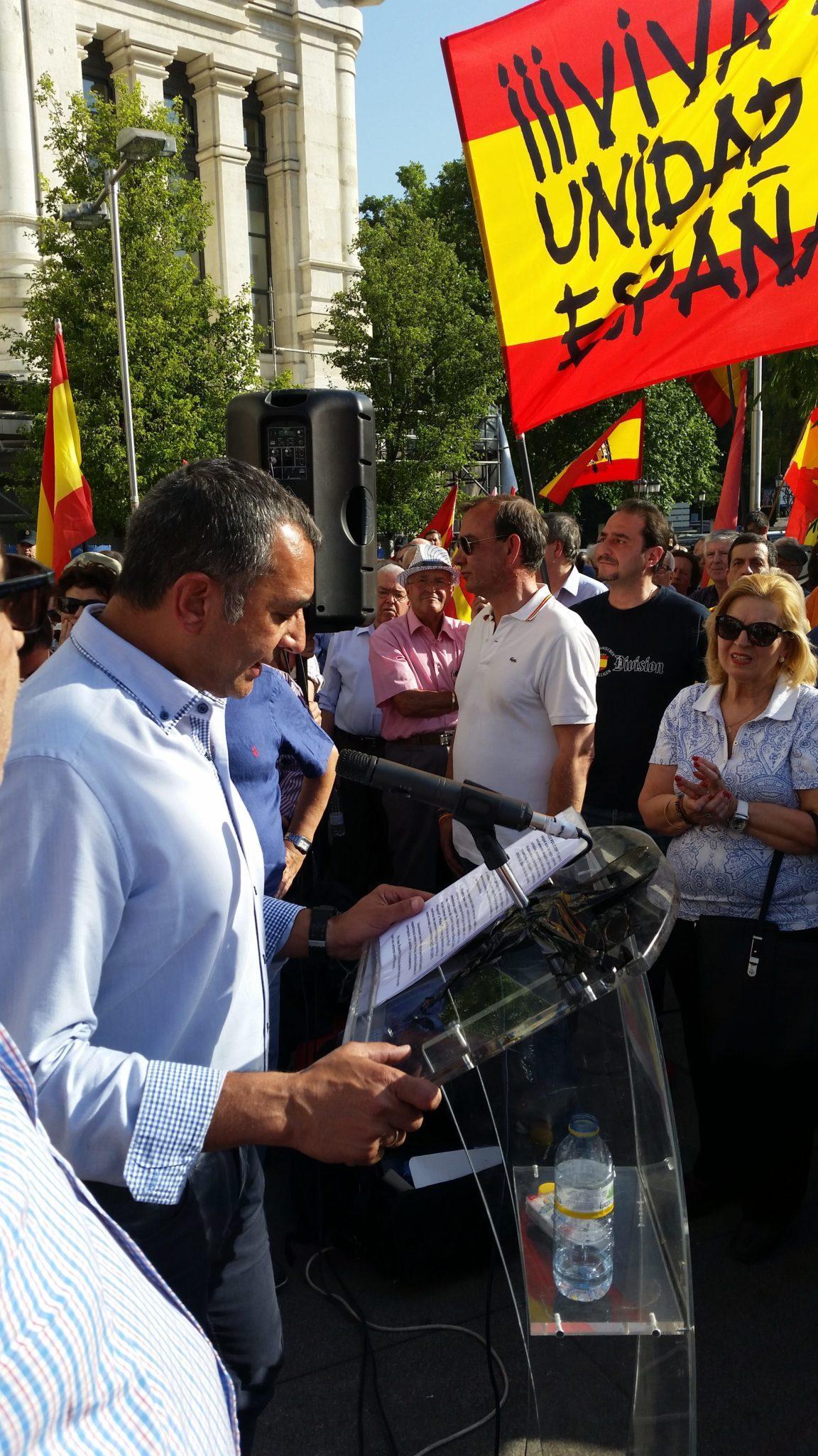 Discurso de Manuel Andrino en la Plaza de Cibeles frente al Ayuntamiento que acoge enemigos de España