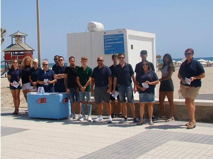 La Falange -Alicante- de activismo en la playa