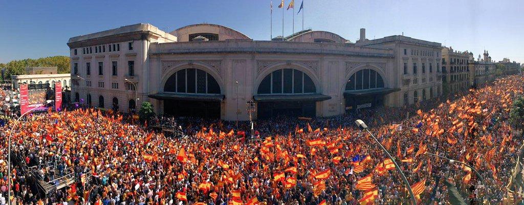 8-O: El día en el que el patriotismo estalló en Barcelona