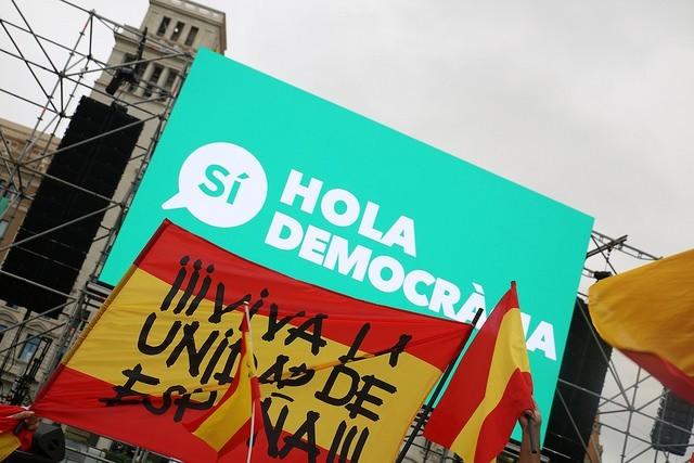 """""""¡Desperta ferro! En democracia todo es mentira"""" por Carlos Rodríguez"""