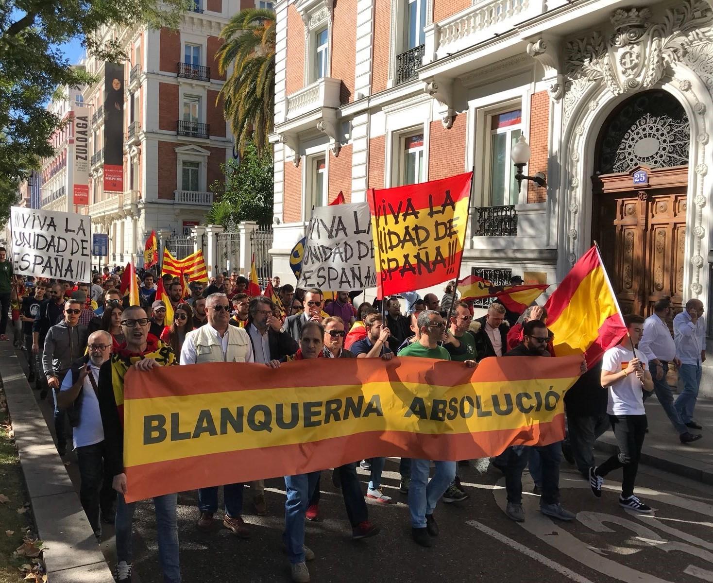 De nuevo en la calle contra los separatistas y sus cómplices