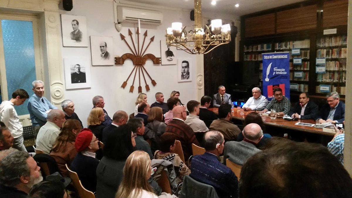 """Exitosa presentación del libro de Jesús Muñoz """"Que no te engañen"""" (vídeo)"""