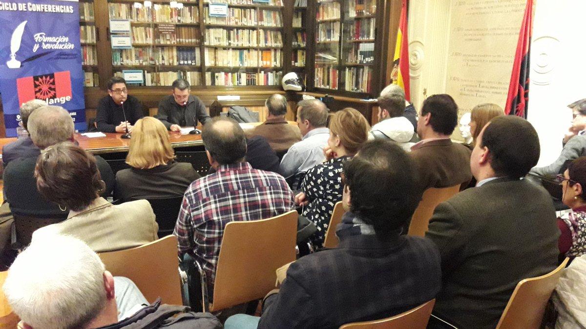 """Brillante conferencia """"Prensa y poder político"""" de Gustavo Morales"""