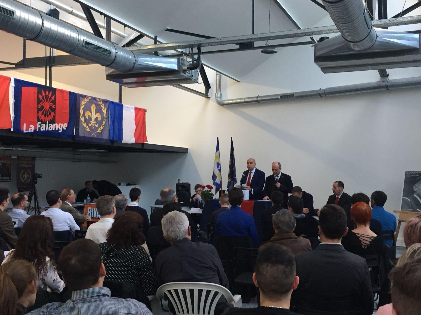 """La Falange en el """"Forum de la Nation"""" organizado por el Partido Nacionalista Francés"""