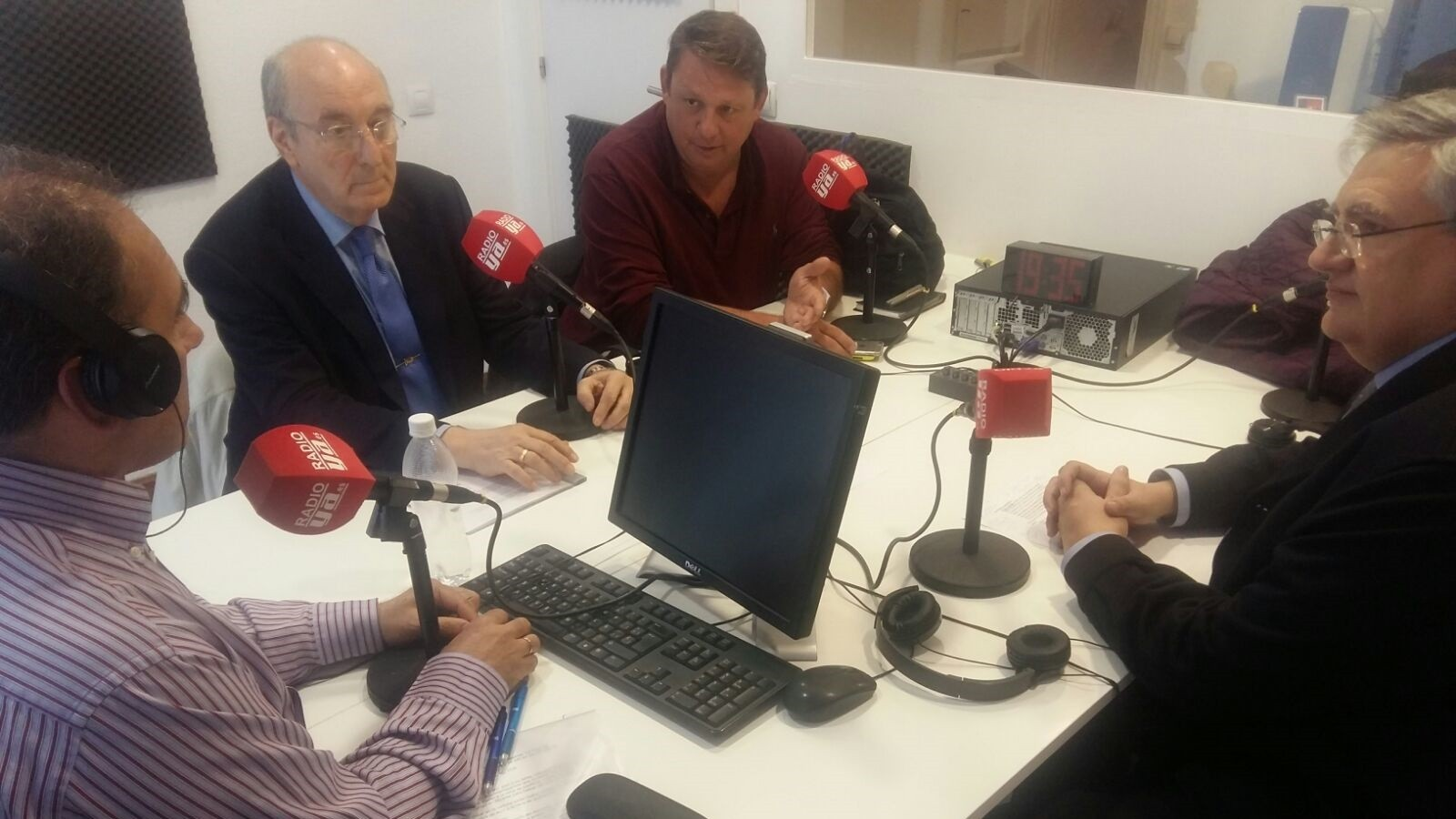 """Audio de """"La Hora del CAFE"""": Toda la actualidad política a debate"""