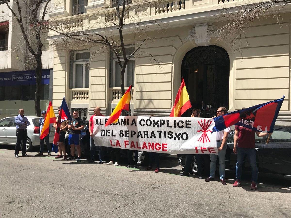 Protesta de nuestras Juventudes ante embajadas y consulados alemanes