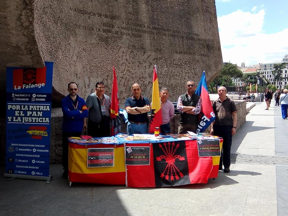 Mesas informativas en Madrid: Plaza de Colón, Parla y Callao