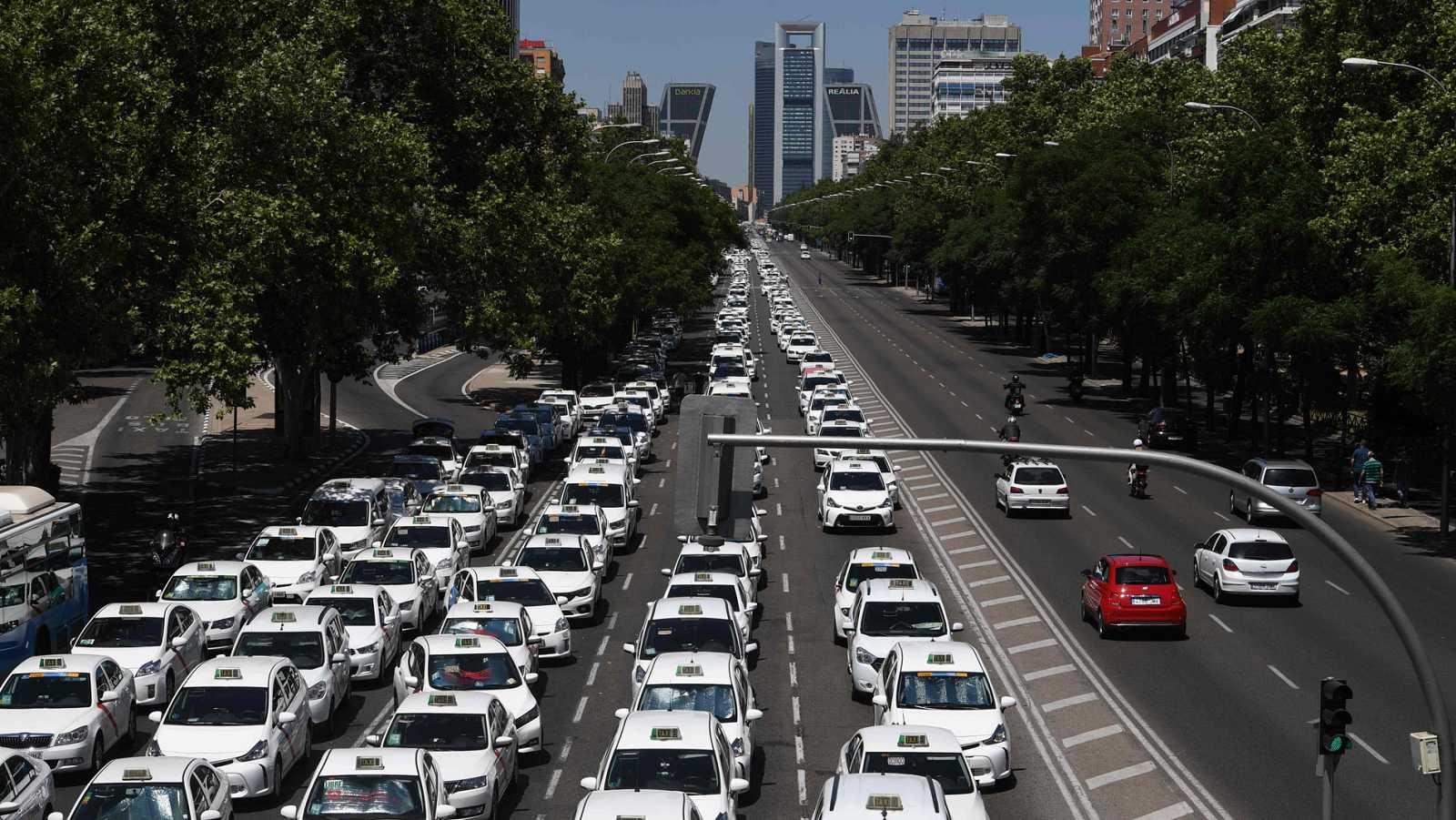 La guerra de los taxis contra las multinacionales