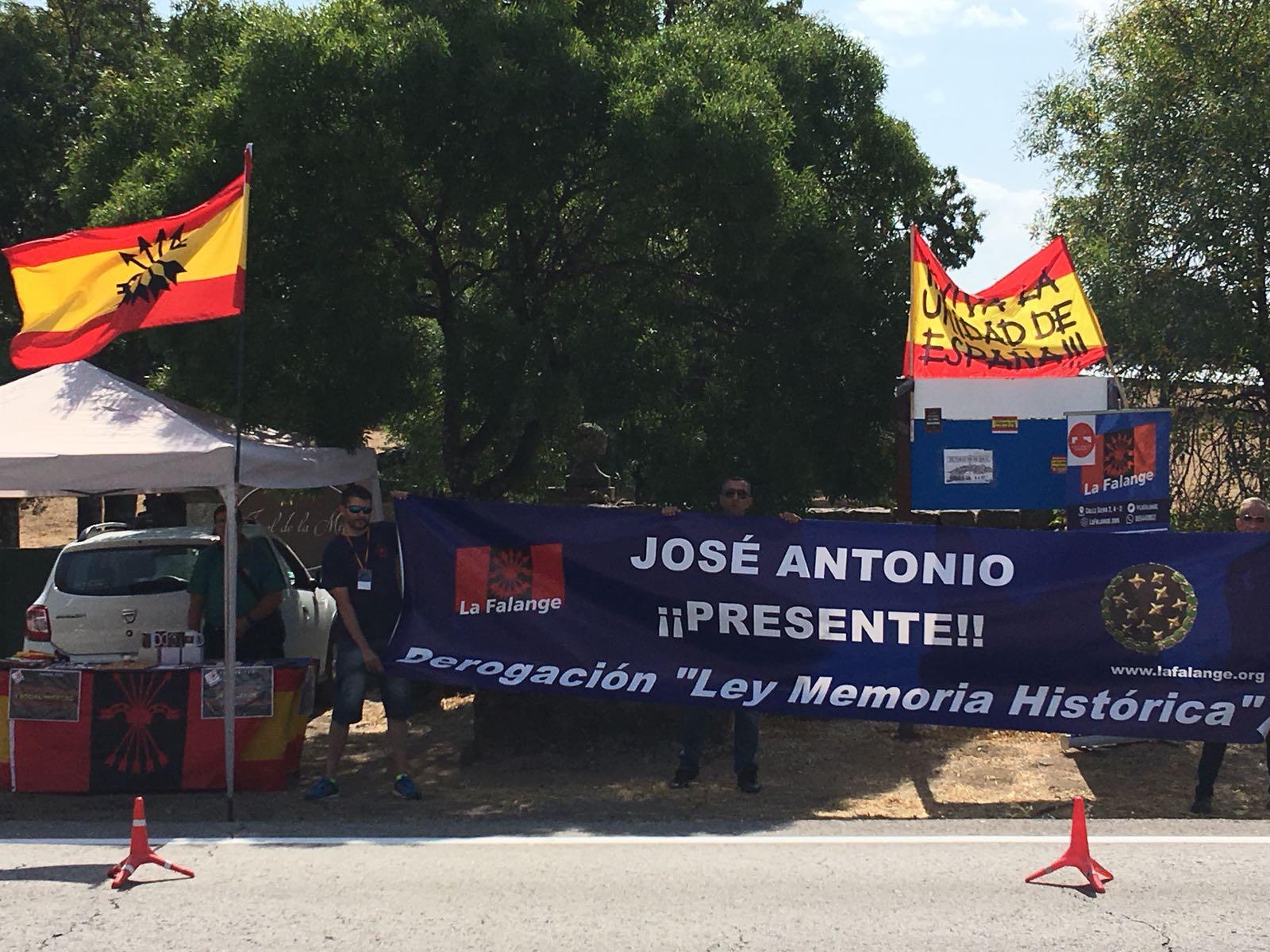 Mesa en el Valle e intervención radiofónica #ElValleNOsetoca