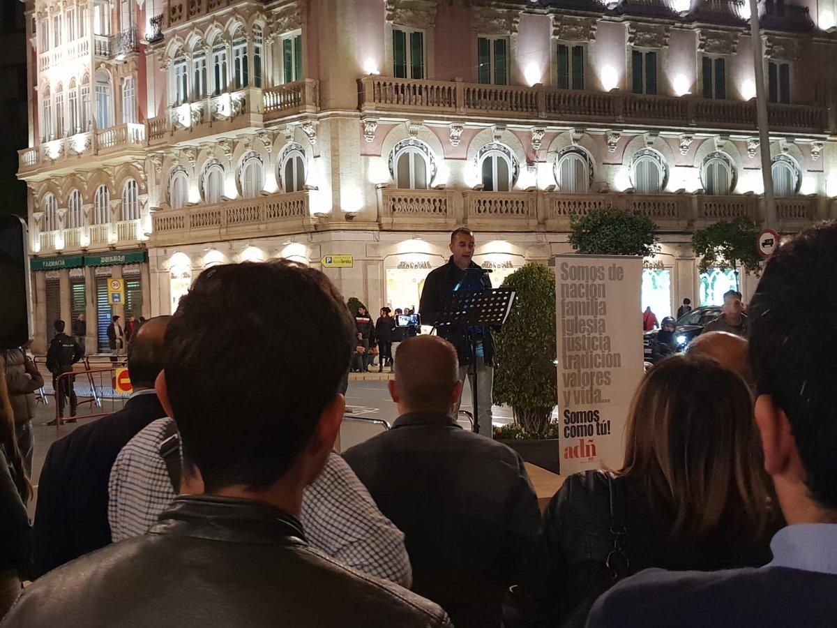 Presentación de ADÑ en Almería con baile incluído (Vídeo)