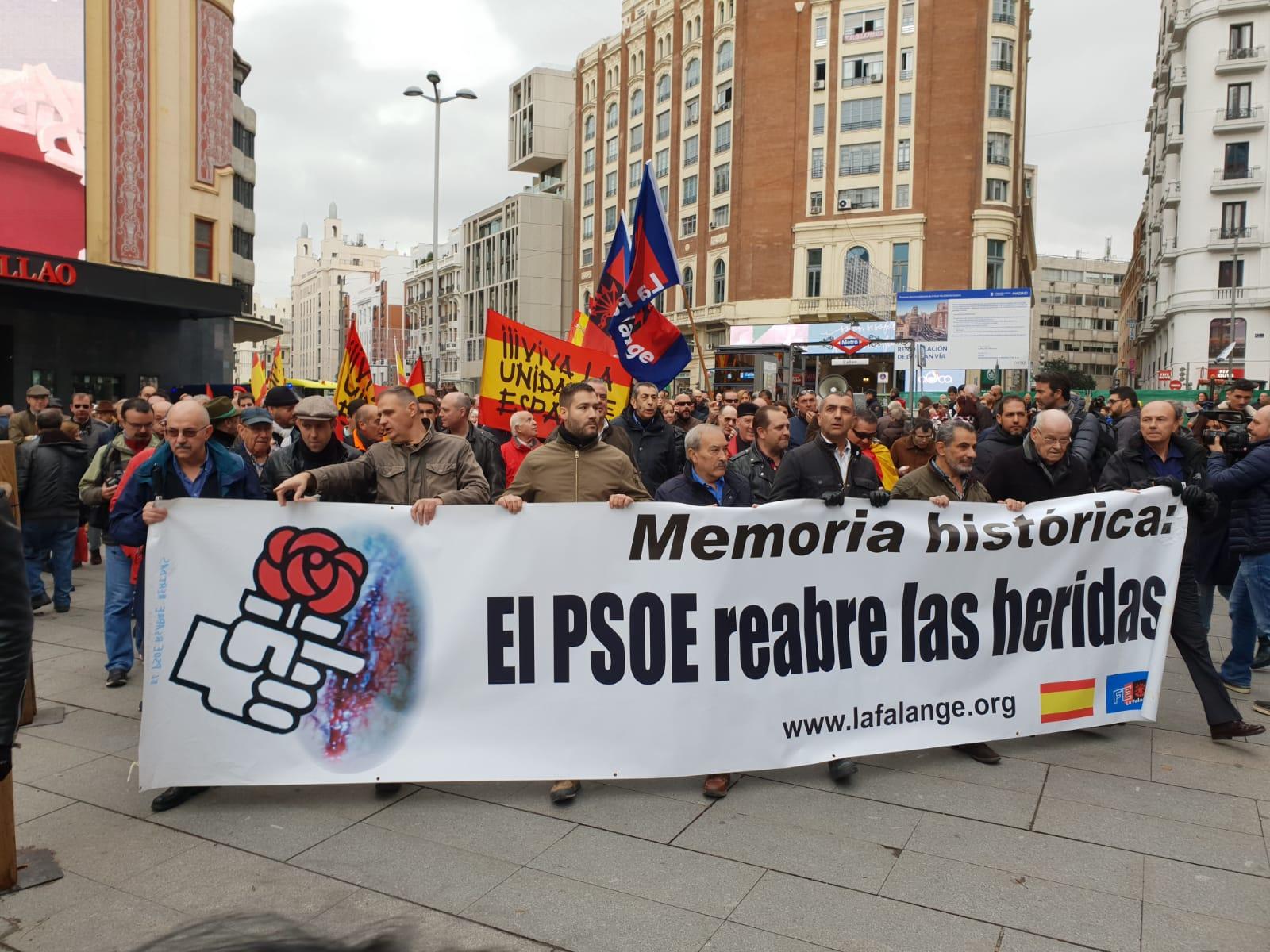 Éxito de la manifestación y acto en plaza de Oriente (vídeo)