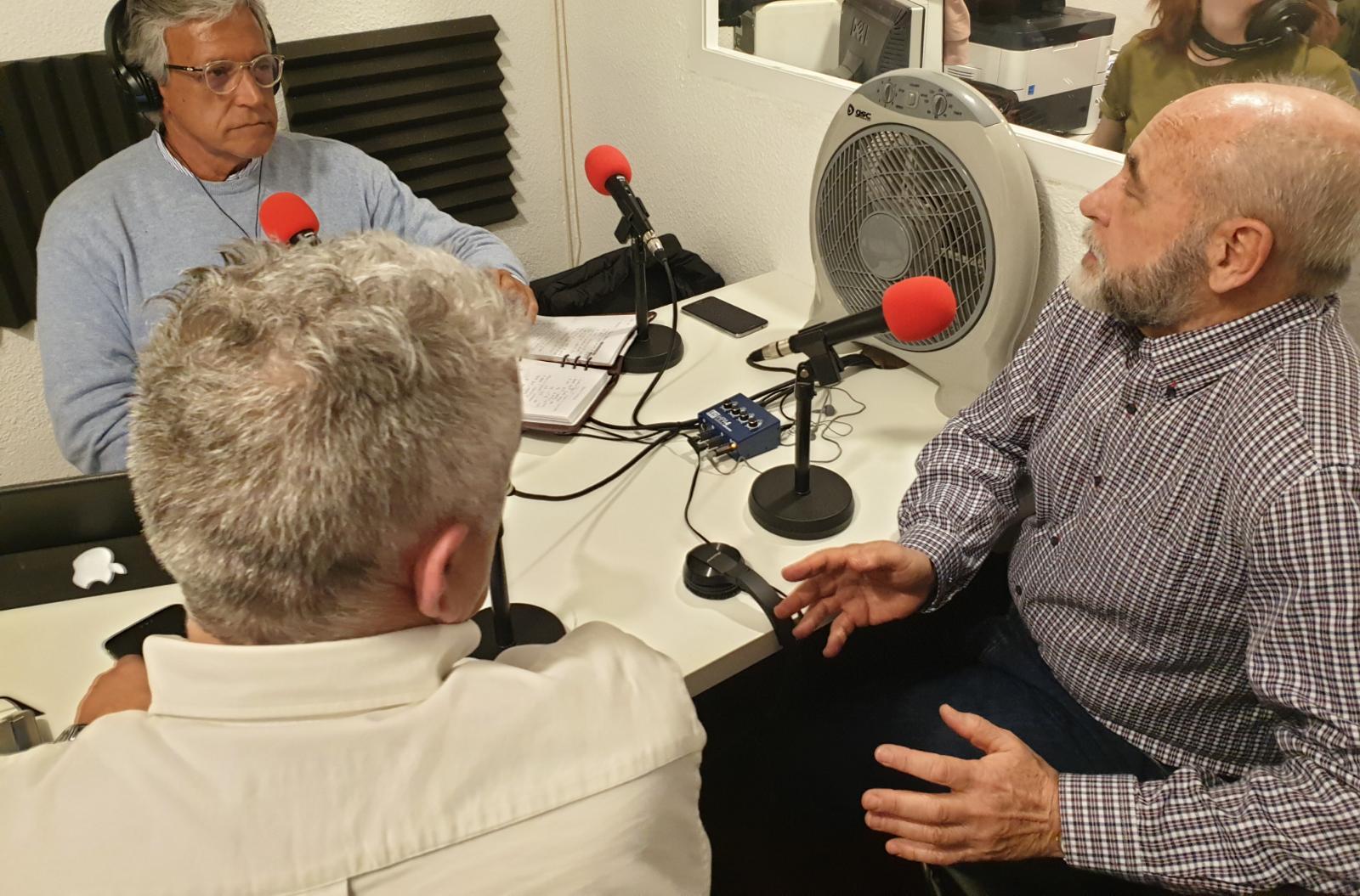 """""""La Hora del CAFÉ"""" con el editor Álvaro Romero y el Gral. Blas Piñar"""