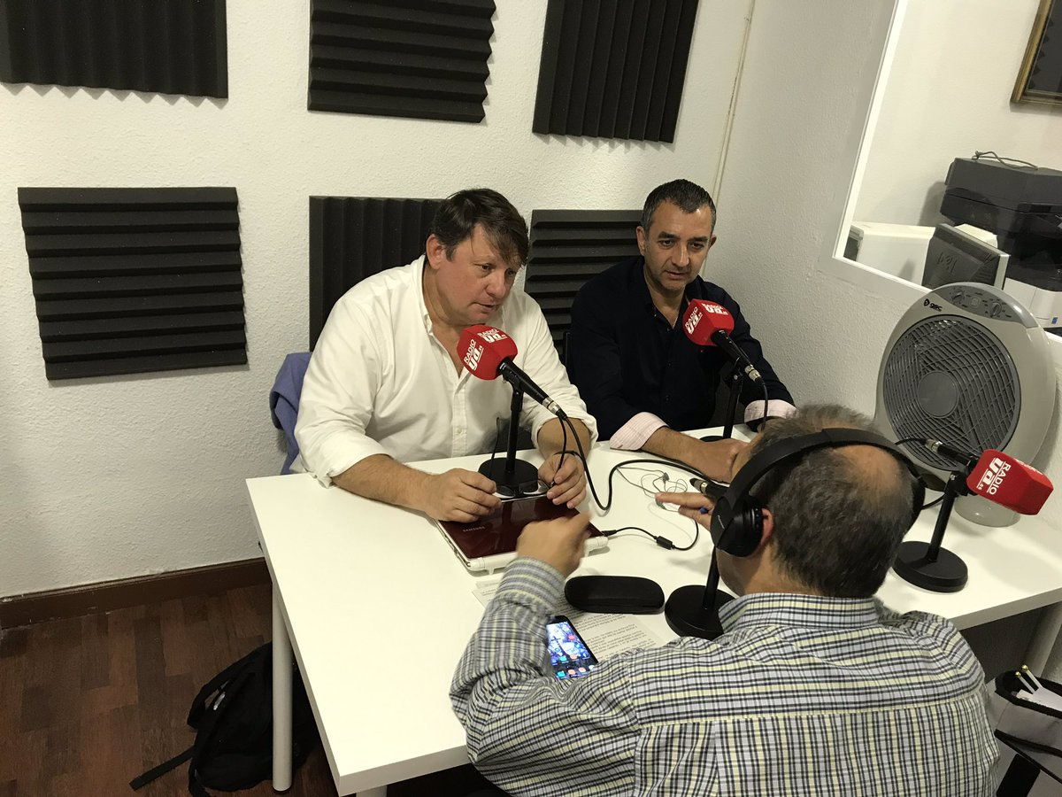 """""""La Hora del CAFÉ"""" con Martín Ynestrillas y Manuel Andrino"""