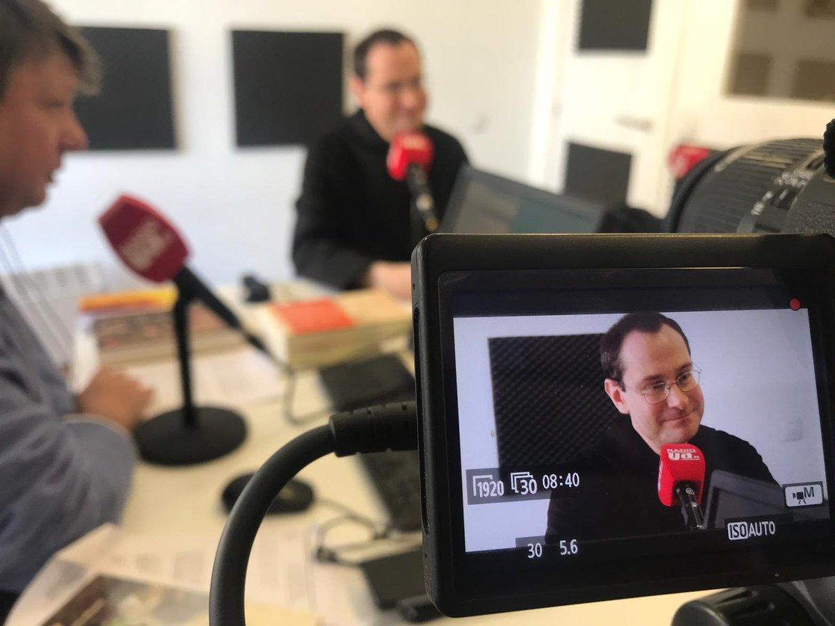 """Martín Ynestrillas lleva a su programa """"Somos Libro"""" al prior de Valle de los Caídos"""