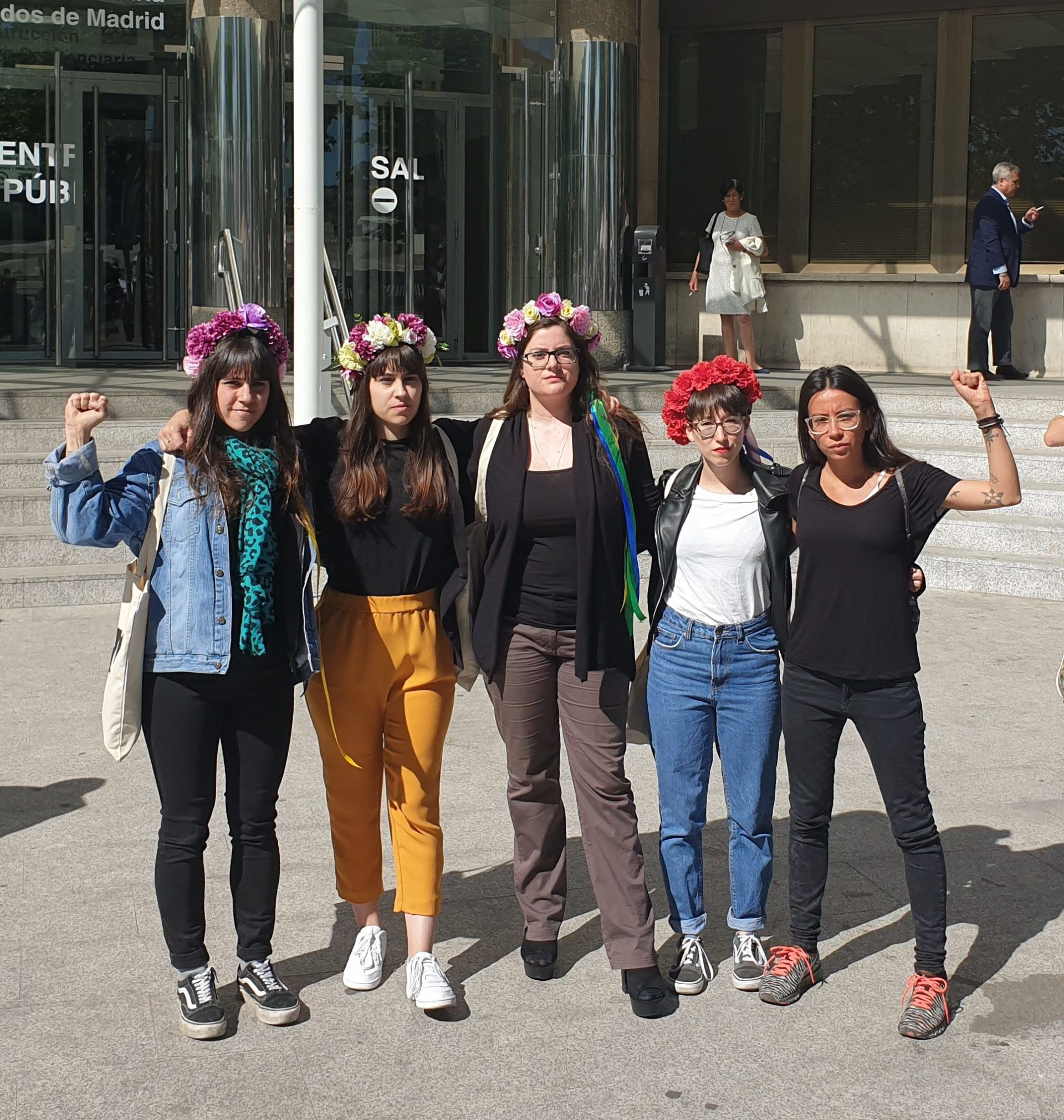 Tras la querella interpuesta por La Falange, las integrantes de FEMEN responden ante el Juez