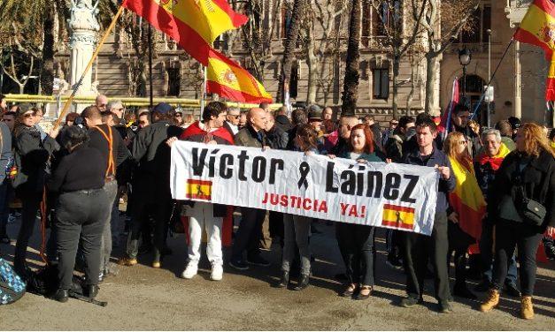 Clamor en Barcelona contra la condena al asesino de Víctor Laínez