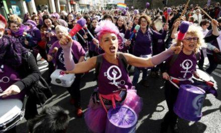 """""""La Hora del CAFÉ"""" especial femenismo con Begoña del Arco, Chía y Mercedes Abad"""