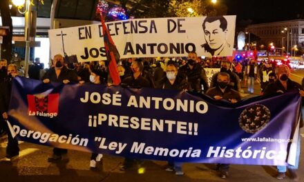 La Falange rompe el toque de queda en defensa de José Antonio